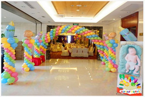 Balloon Arch with 6 Balloon Column